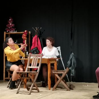 13 i dimarts (teatre)